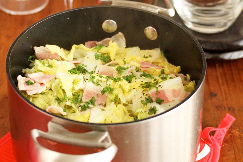 白菜とベーコンの白ワイン鍋
